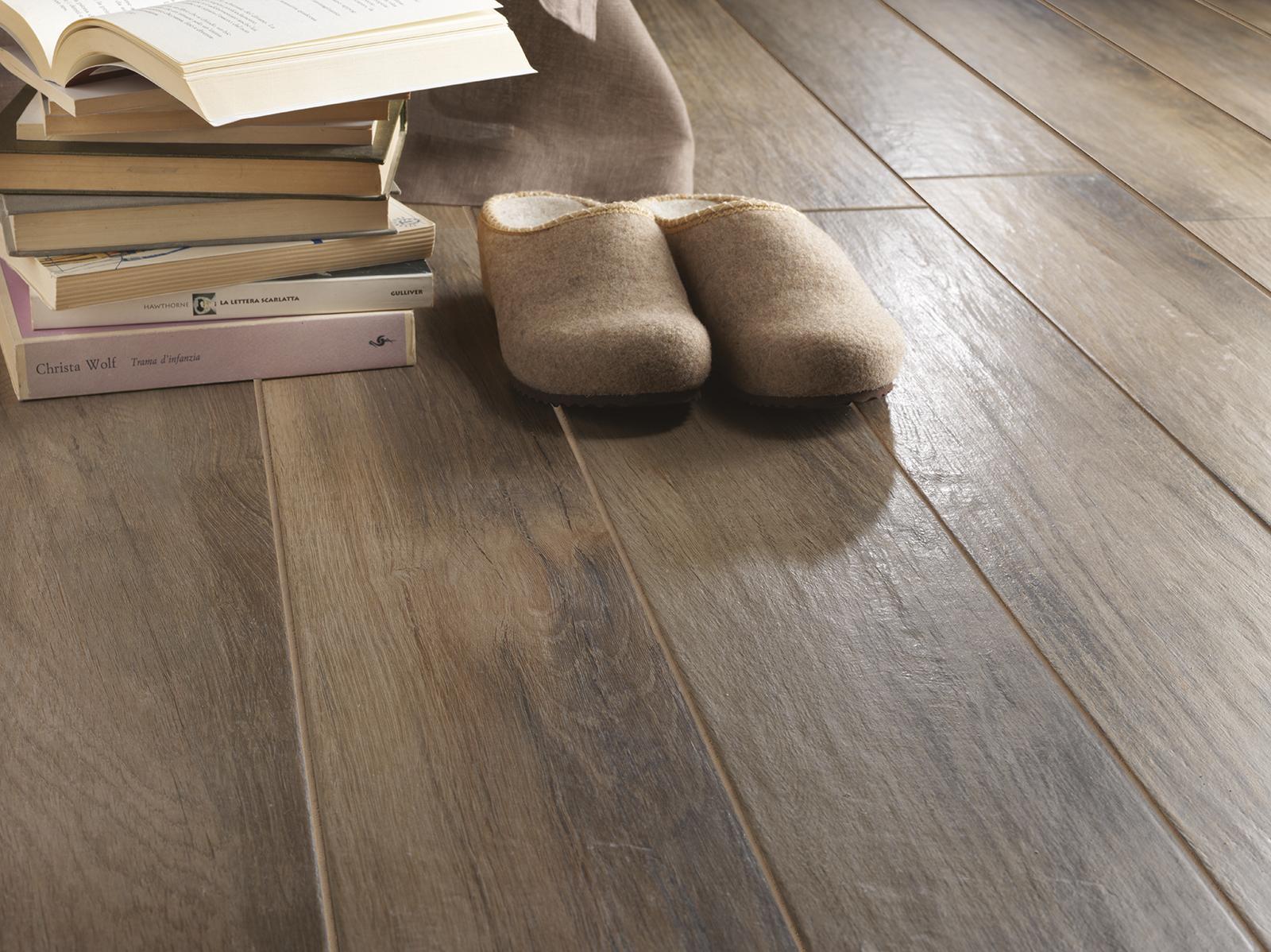 Pavimenti In Ceramica Tipo Legno Prezzi : Treverkmood gres porcellanato effetto legno marazzi