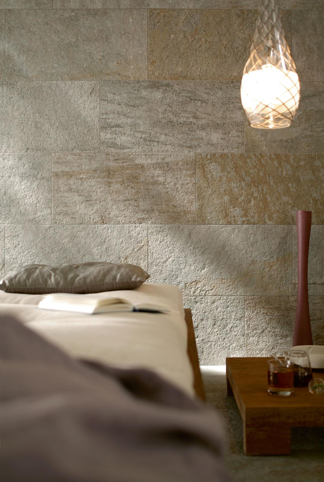 Pareti in pietra per interni minimal marazzi - Pietre per bagno ...