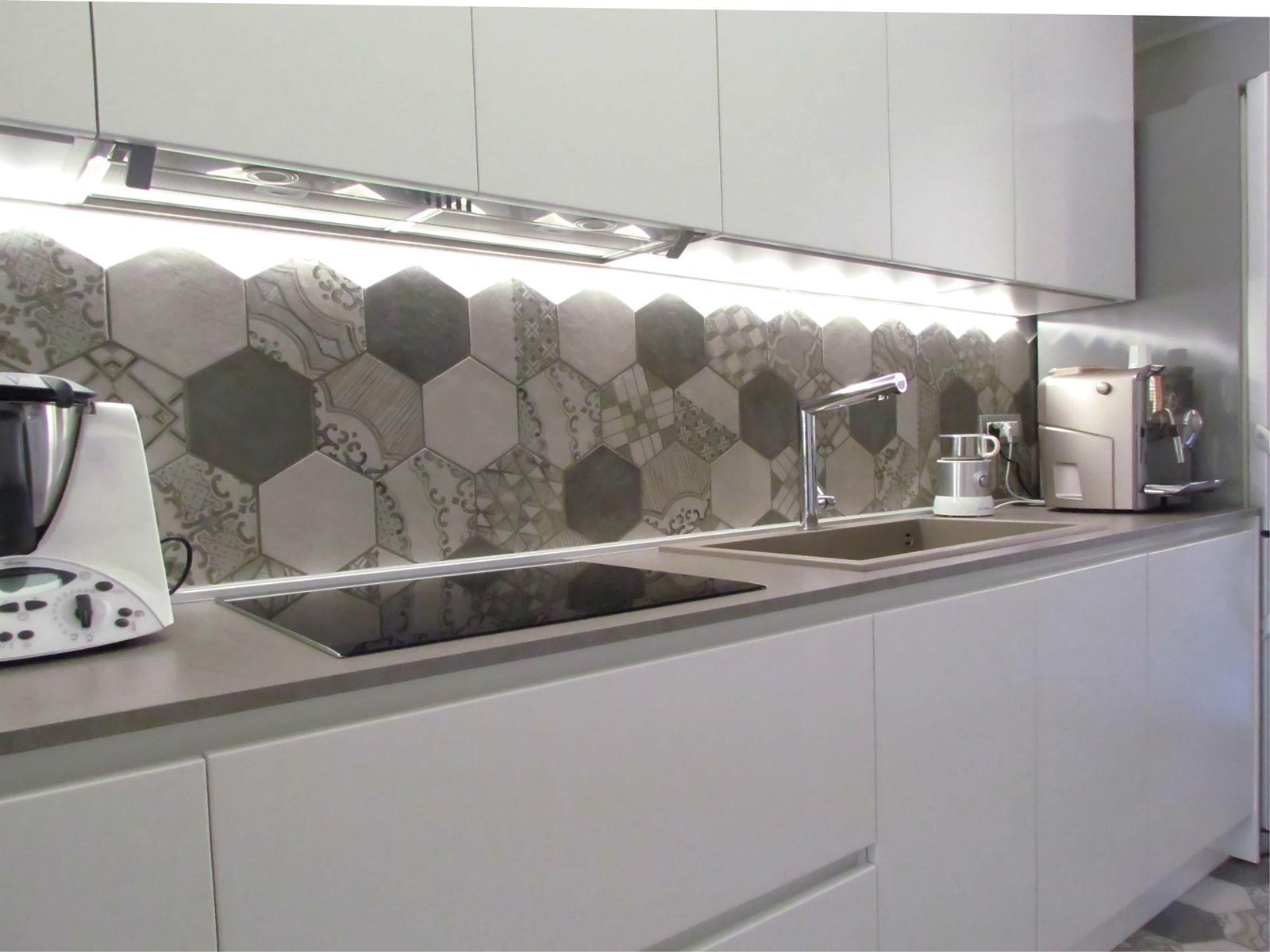 Mattonelle moderne idee bagno piccolo piastrelle bagno - Mattonelle per bagno piccolo ...