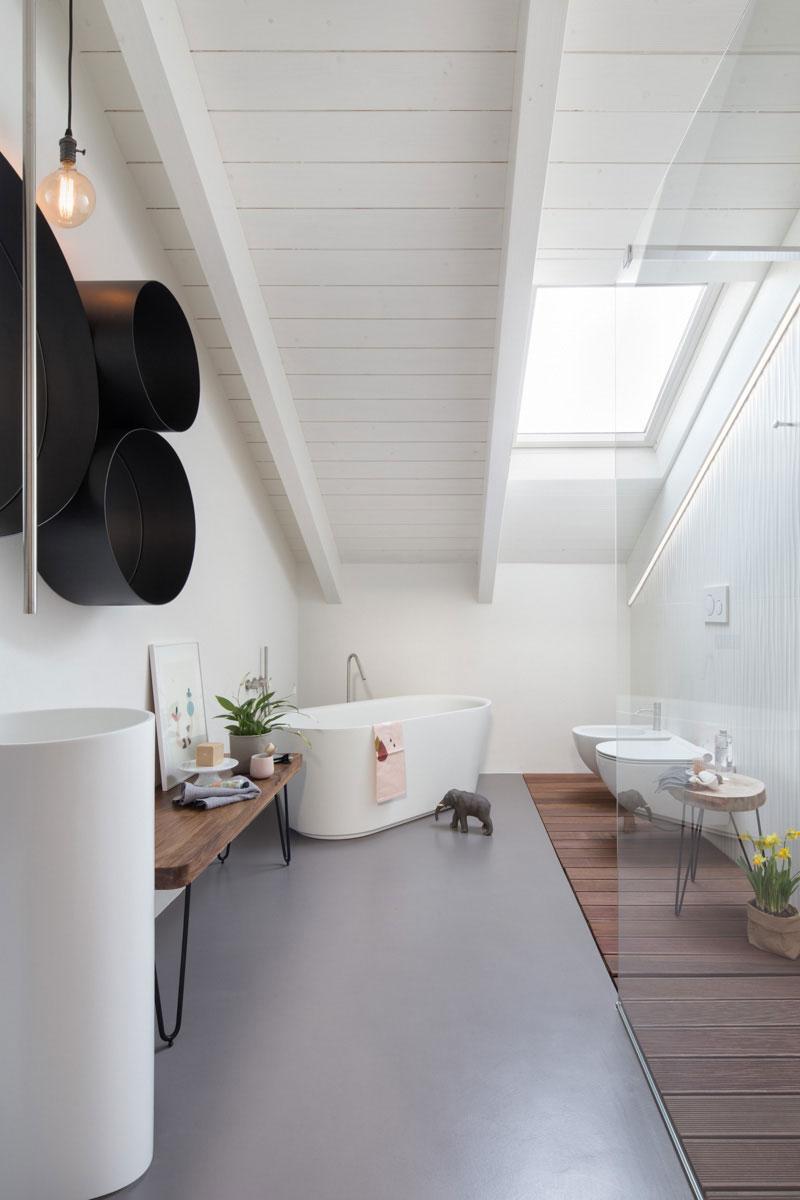 Casa think stile minimale con ceramica bianca marazzi for Casa essenziale