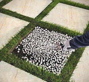 Posa su erba marazzi - Posa piastrelle giardino a secco ...