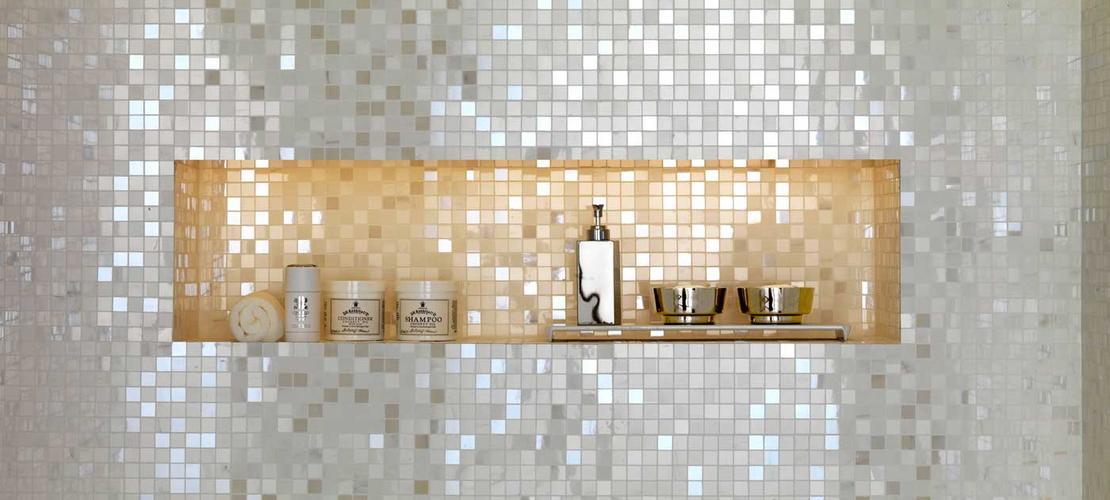 Mosaico nero per bagno [tibonia.net]