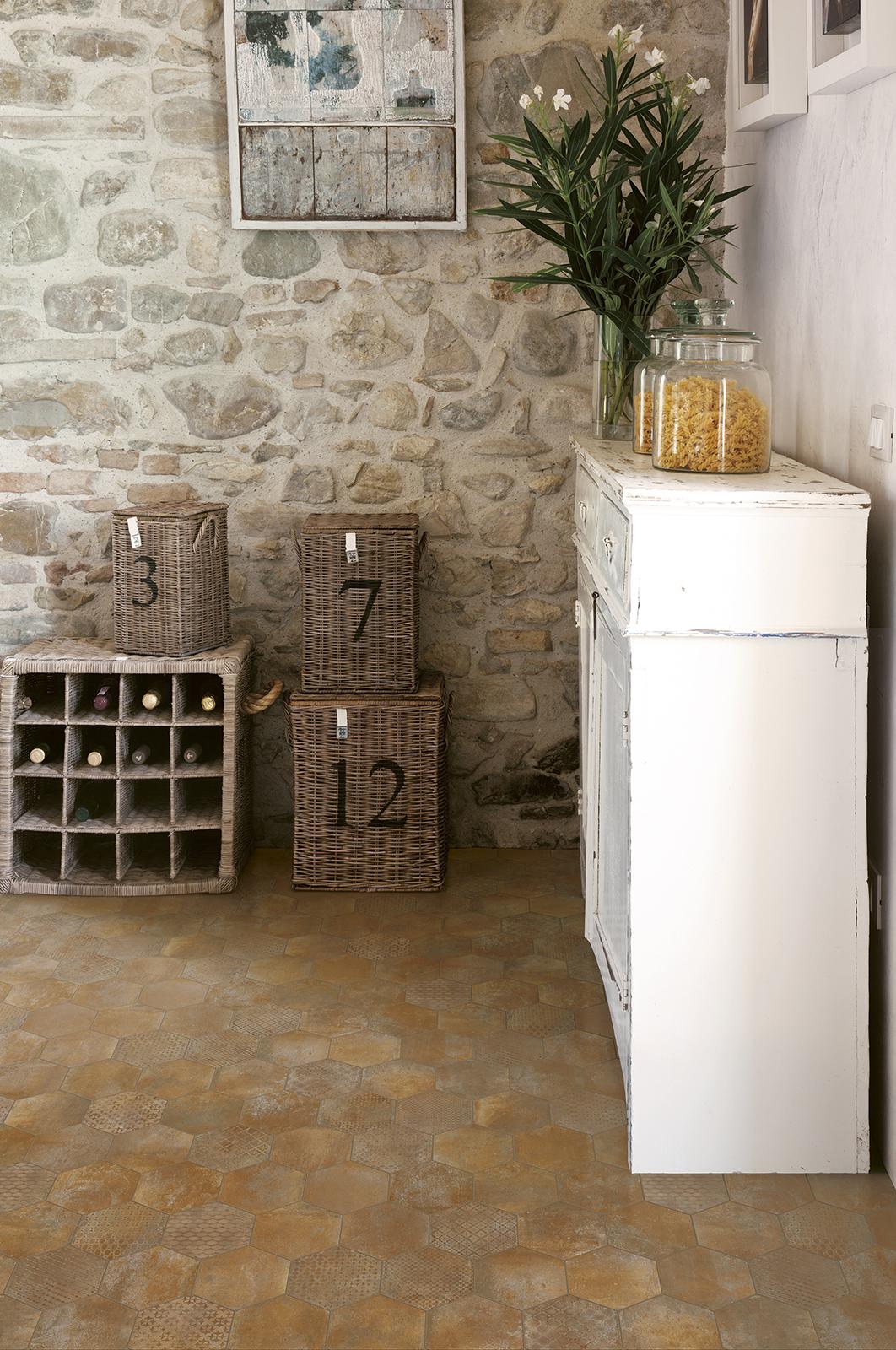 Piastrelle cucina idee in ceramica e gres marazzi for Piastrelle cucina bricoman