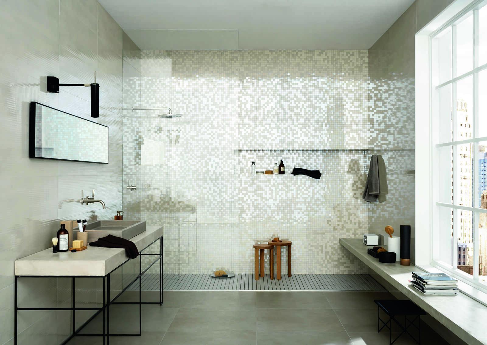 Imperfetto piastrelle bagno colorate marazzi for Piastrelle bianche lucide pavimento