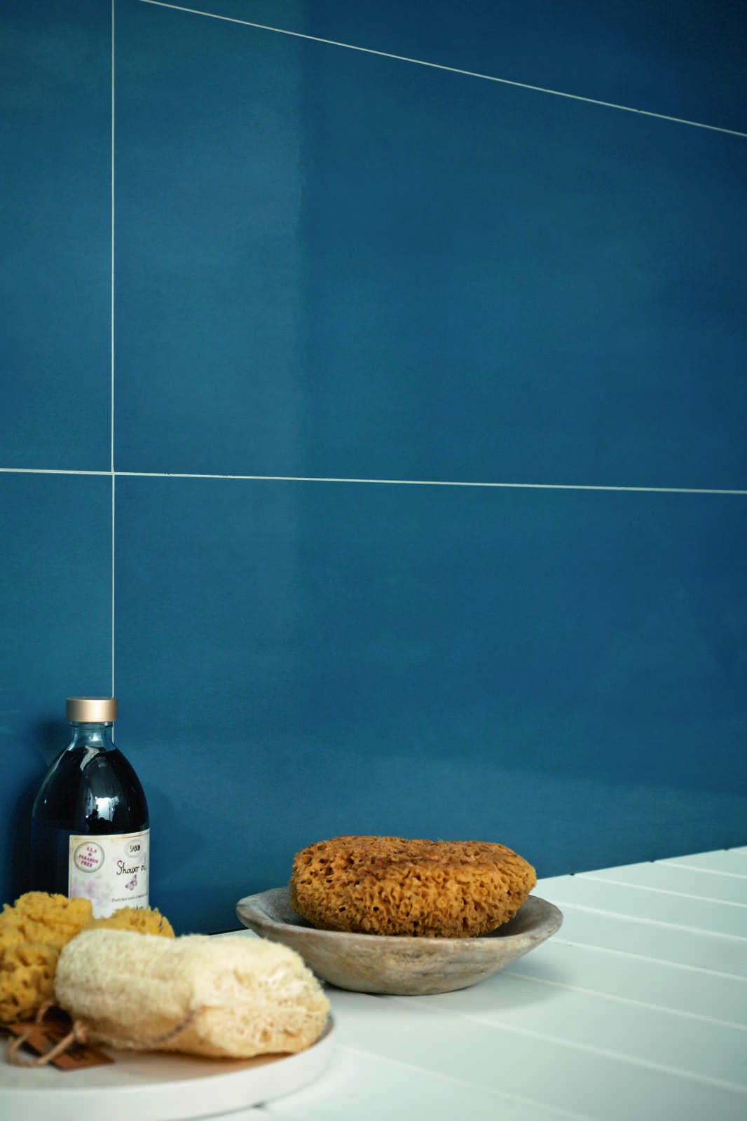 Salotto Pavimento Bianco : Piastrelle blu guarda le collezioni marazzi