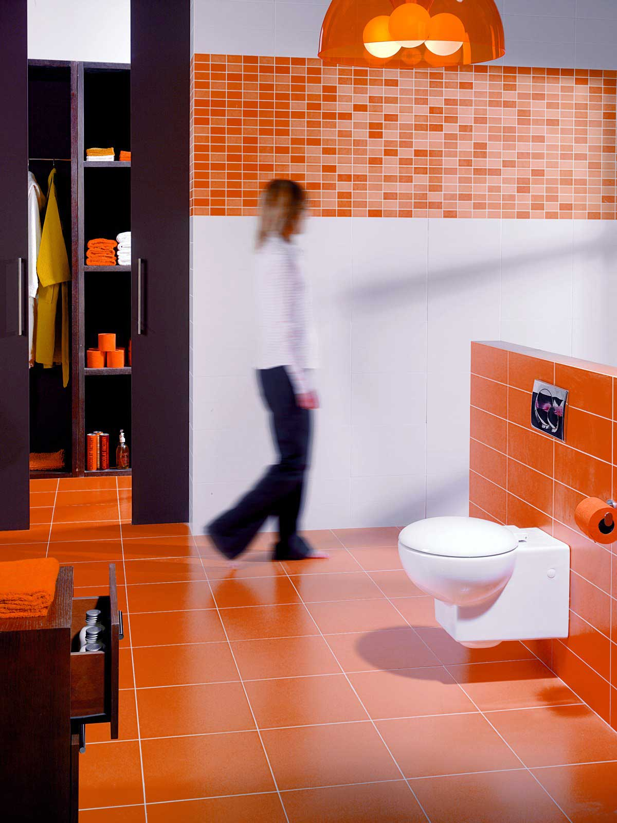 Piastrelle Bagno Arancione.Bagno Con Rivestimento In Ceramica Ditta Marazzi Serie Folk