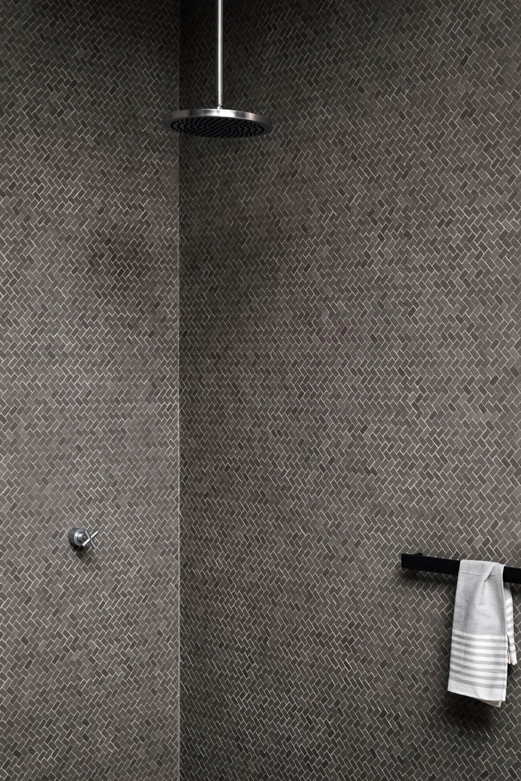 Piastrelle a mosaico per bagno e altri ambienti marazzi - Rivestimenti per doccia ...