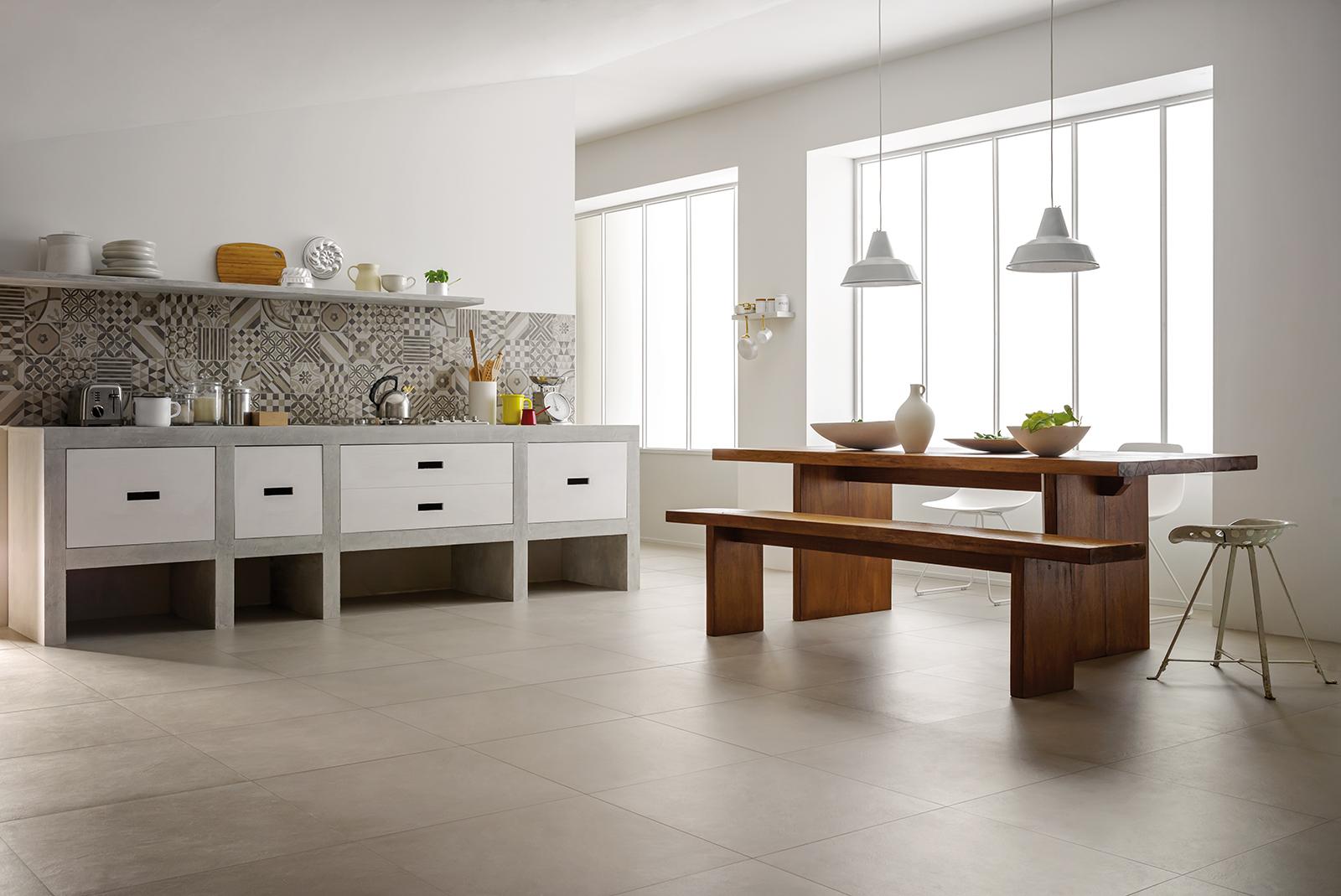 Piastrelle cucina idee in ceramica e gres marazzi - Parquet per bagno e cucina ...