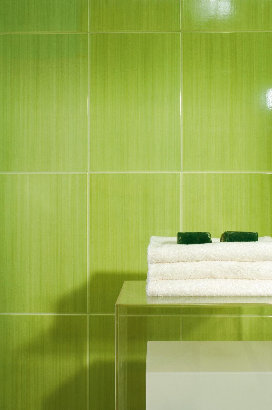 Vertical rivestimenti residenziali marazzi - Piastrelle bagno verde ...